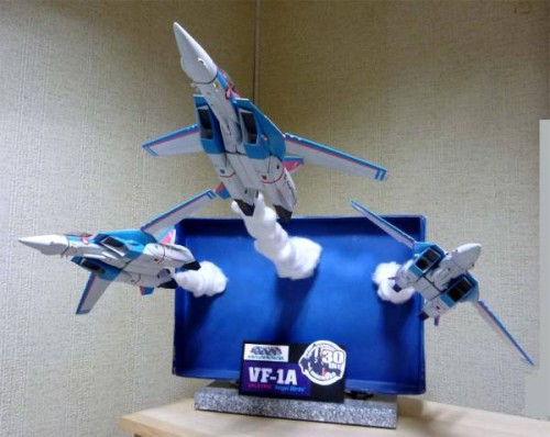macross-angel-birds-model-kit-diaorama-1