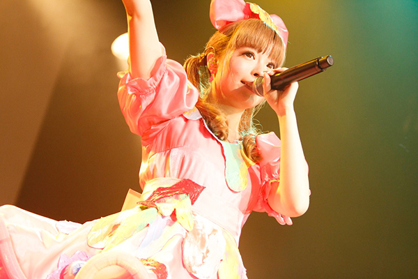 kyary-pamyu-pamyu-2nd-world-tour-nanda-collection-1